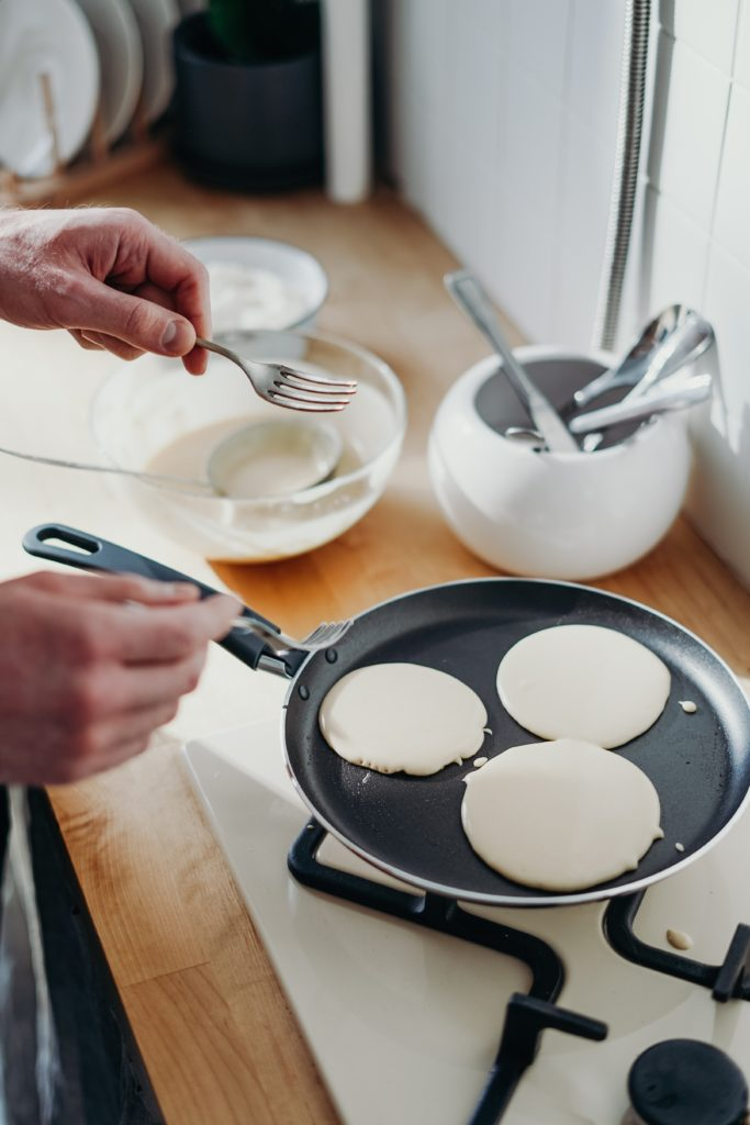 Made In Cookware Vs All Clad – Reviewing the Best Cookware for Your Kitchen?