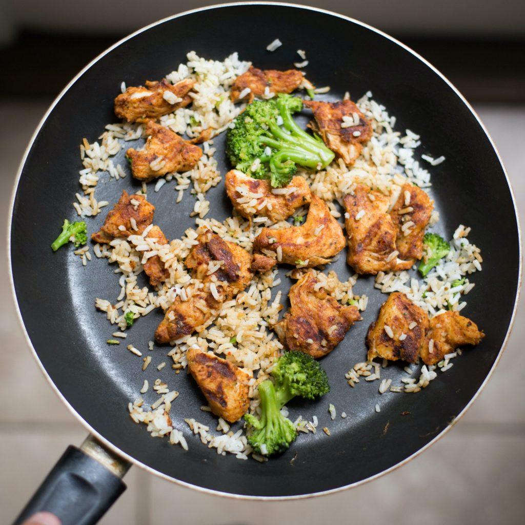 https://www.pexels.com/photo/food-chicken-fresh-rice-105588/